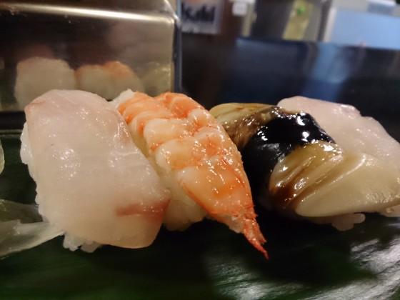 回ってない寿司